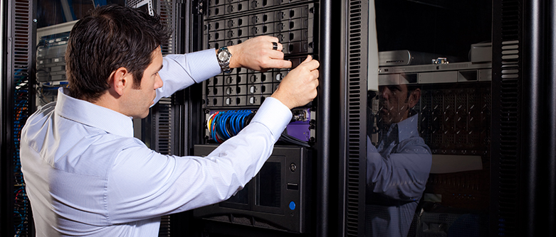 4 Advantages of Purchasing a UPS for Your Company's Data Center